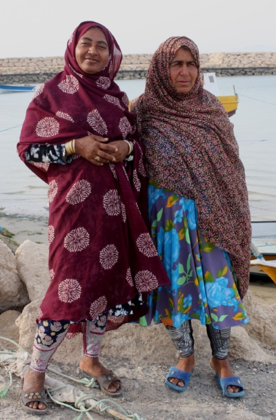 Iran, Hengam, fisher women_O.Randin
